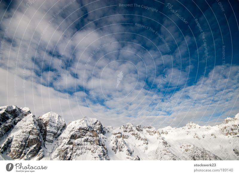 Sägezahnmodulation Winter Schnee Winterurlaub Berge u. Gebirge Natur Landschaft Himmel Wolken Schönes Wetter Felsen Alpen groß blau schwarz silber weiß