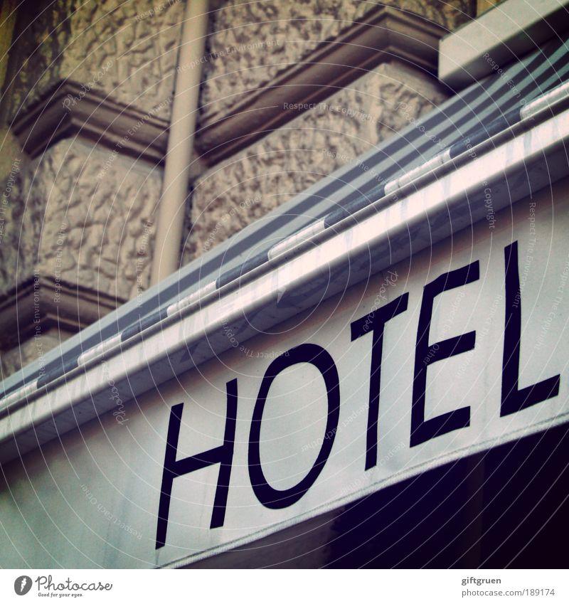 hotel Ferien & Urlaub & Reisen Haus Wand grau Gebäude Mauer Arbeit & Erwerbstätigkeit Freizeit & Hobby Tourismus Buchstaben Bauwerk Gastronomie Hotel Dienstleistungsgewerbe gestreift Sightseeing