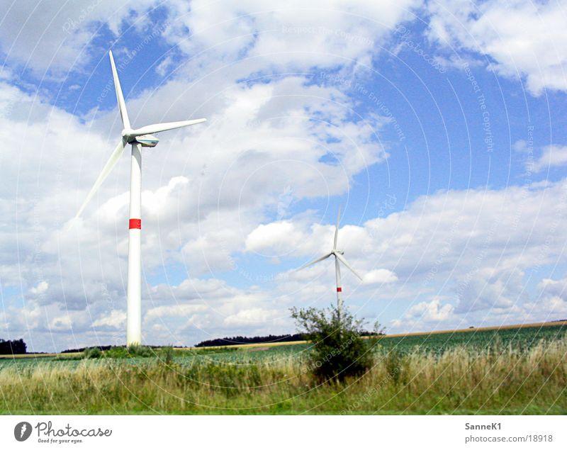 Windräder Wind Energiewirtschaft Elektrizität Windkraftanlage