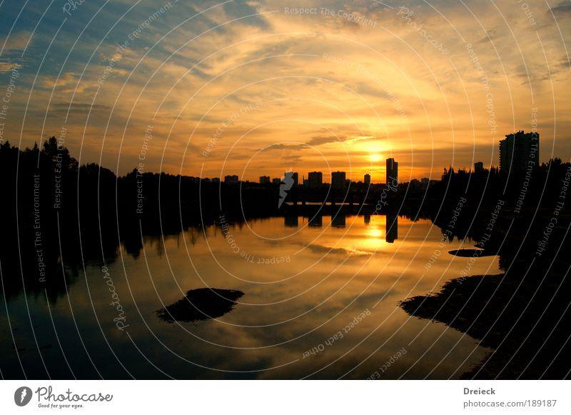 Schattenlicht Himmel Sonne rot Ferien & Urlaub & Reisen Haus schwarz Wolken gelb Ferne Freiheit See Wärme Wetter Stadt Silhouette gold