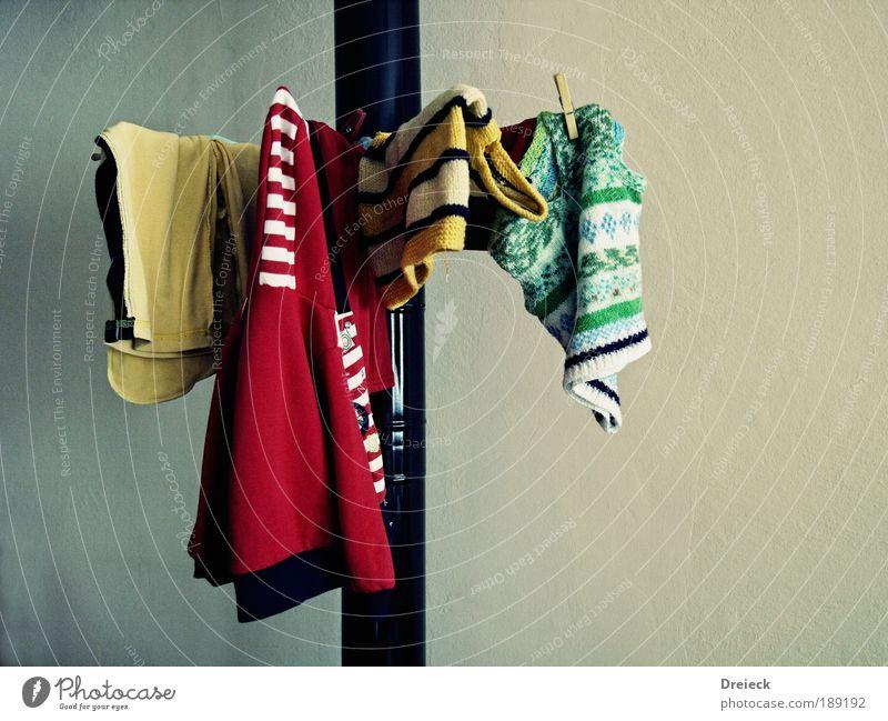 Ofenrohrtrocknungsvorrichtung Wohnung Innenarchitektur Raum Wohnzimmer Bekleidung Pullover Jacke Stoff Metall gebrauchen hängen authentisch einfach Billig
