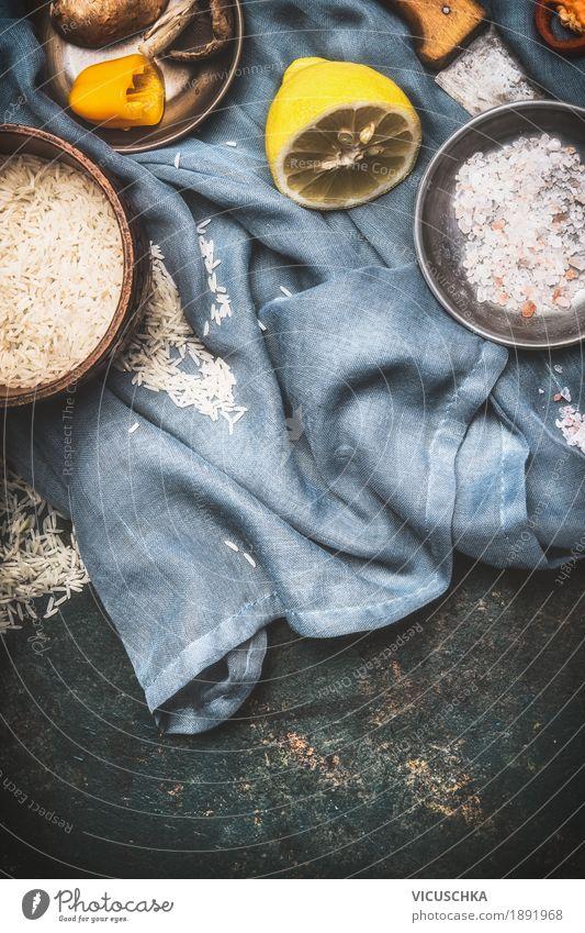 Reis und vegetarische Kochzutaten Lebensmittel Getreide Kräuter & Gewürze Ernährung Bioprodukte Vegetarische Ernährung Diät Geschirr Schalen & Schüsseln Stil