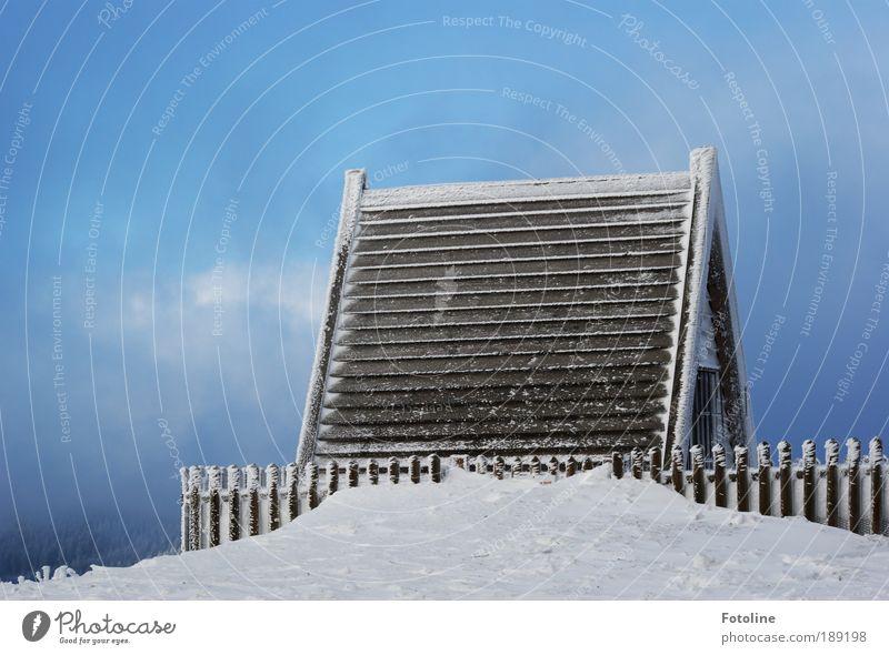 Hier wohnen die 7 Zwerge Natur Himmel weiß blau Winter Haus Wolken kalt Schnee Berge u. Gebirge Garten Park Gebäude Landschaft Eis hell