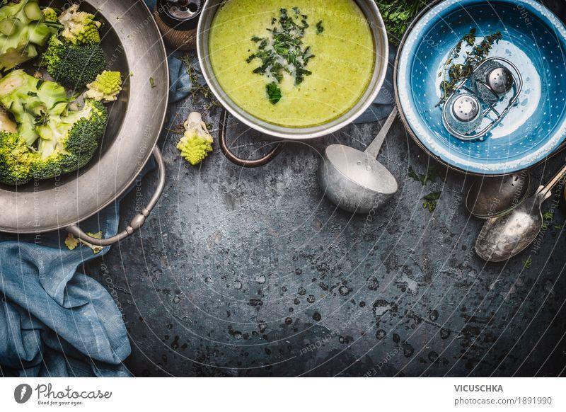 Grüne Romanesco und Brokkoli Suppe grün Gesunde Ernährung Foodfotografie Leben gelb Gesundheit Stil Design Häusliches Leben Tisch Kräuter & Gewürze Küche Gemüse