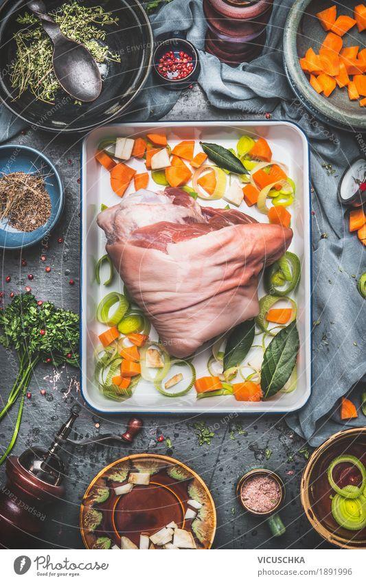 Eisbein Braten Zubereitung Stil Lebensmittel Design Ernährung Tisch Kräuter & Gewürze Küche Gemüse Bioprodukte Restaurant Geschirr Teller Schalen & Schüsseln