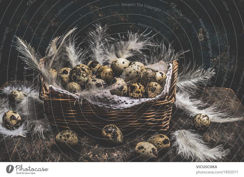 Korb mit Wachteleiern und Federn Stil Design Häusliches Leben Dekoration & Verzierung Feste & Feiern Ostern Natur gelb Nest Symbole & Metaphern altehrwürdig Ei