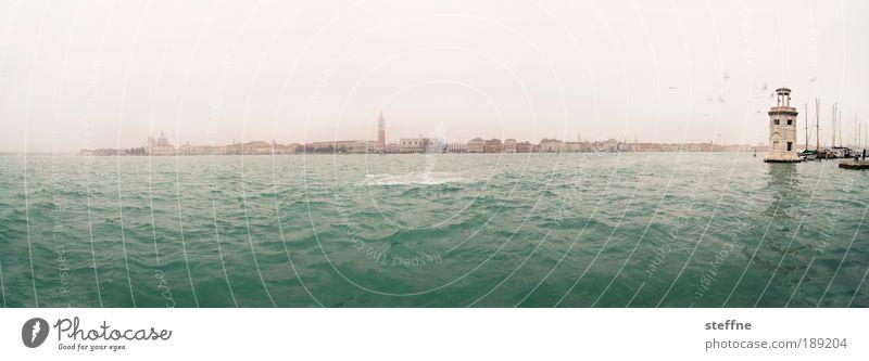 Bacino Wolkenloser Himmel Meer Adria Bacino di San Marco Venedig Italien Sehenswürdigkeit Wahrzeichen Stimmung schön Farbfoto Außenaufnahme Zentralperspektive