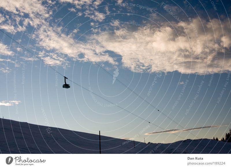 Up and down Himmel Winter Wolken Leben Berge u. Gebirge Zufriedenheit Felsen Klima Geschwindigkeit Tourismus Güterverkehr & Logistik Alpen Schönes Wetter Abenddämmerung Wintersport stagnierend