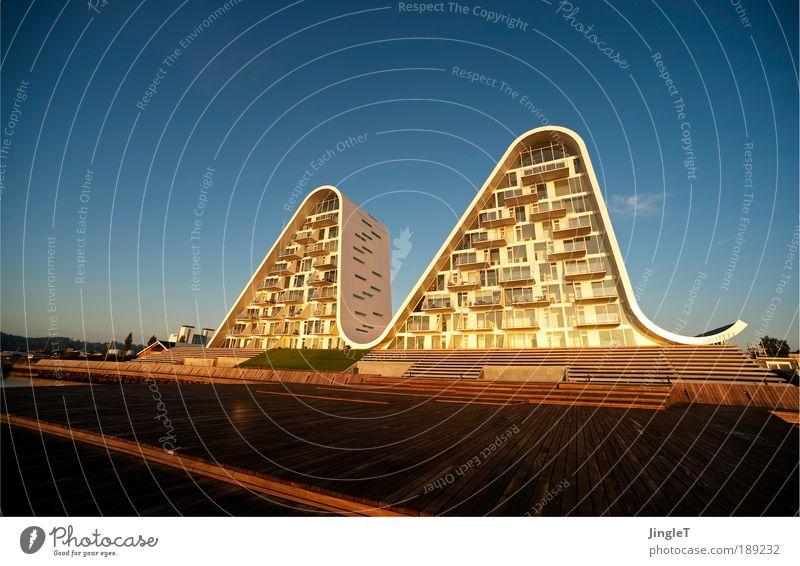 Guten Morgen, Du Schöne. Himmel blau ruhig Einsamkeit braun Morgen Morgendämmerung Aussicht Natur Kunst Dynamik Bauwerk Skulptur Kultur Skandinavien Dänemark
