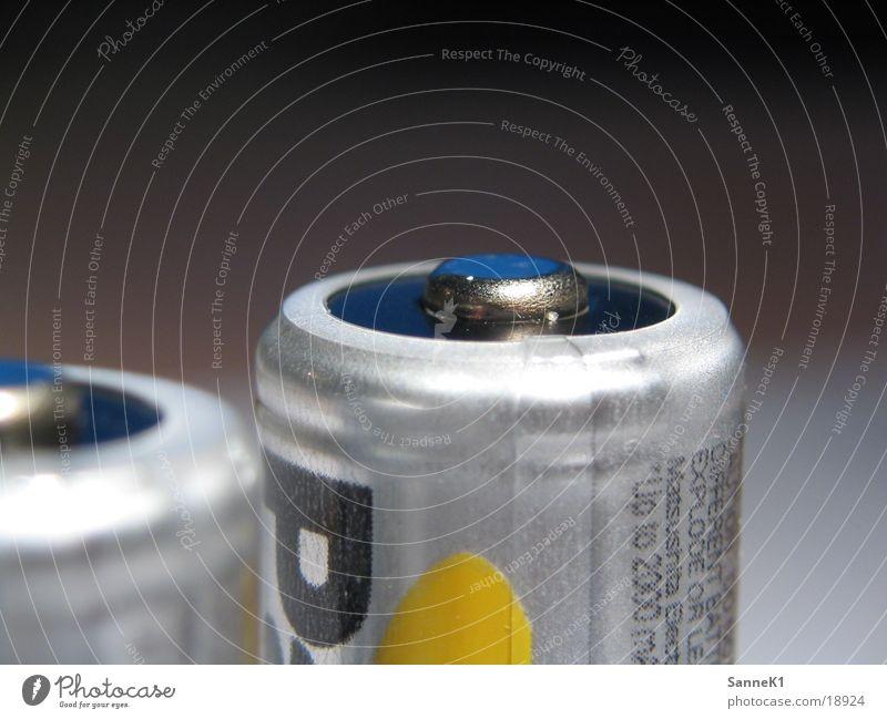 ZweiAkku Batterie Kraft Elektrizität Dinge Accu Energiewirtschaft Makroaufnahme Detailaufnahme Batterien