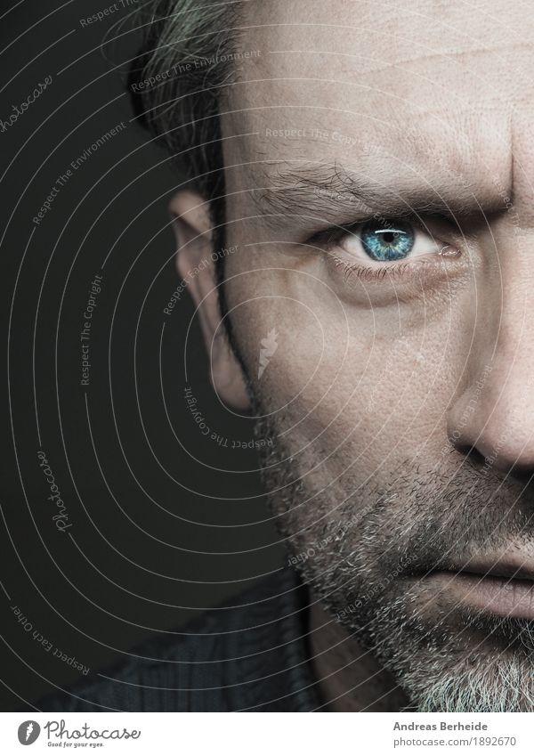 Ernst Mensch Mann Gesicht Erwachsene Stimmung maskulin 45-60 Jahre Model ernst expressiv Blaues Auge (Bluterguß)