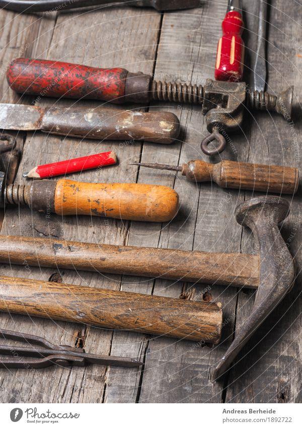 Altes Tischler Werkzeug Hammer alt dreckig retro tools rusty old Hintergrundbild metal wooden set wrench texture antique collection dirty Grunge carpentry