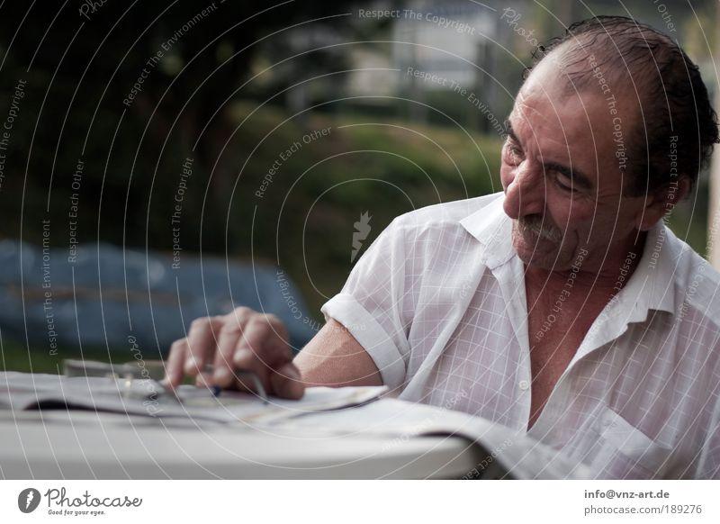 Ms Raffael Mensch Mann alt Freude Gesicht Senior Leben Haare & Frisuren Kopf Erwachsene maskulin Brille Lebensfreude Hemd genießen Großvater