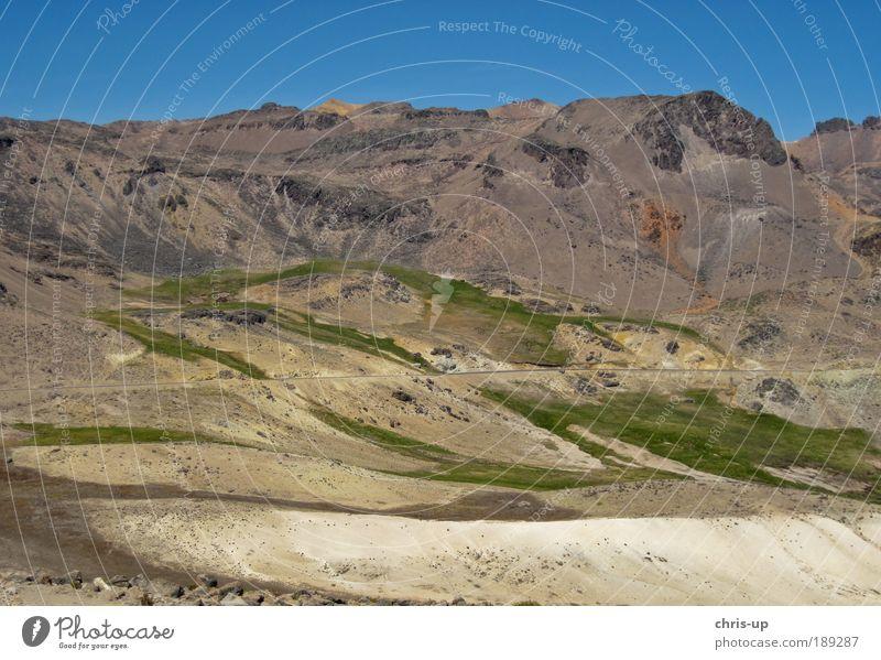Straße in Anden, Peru schön Pflanze Sonne Ferien & Urlaub & Reisen Ferne Freiheit Berge u. Gebirge Landschaft Wege & Pfade Tourismus Unendlichkeit Natur Safari