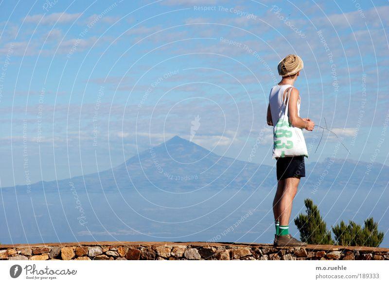 383 island Mensch Natur Jugendliche Erwachsene Ferne Leben Umwelt Landschaft Freiheit Berge u. Gebirge Stimmung Beine Fuß Horizont wandern maskulin