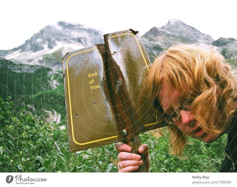 Am Ende... Hand Jugendliche Gesicht Ferien & Urlaub & Reisen Erholung oben Berge u. Gebirge Haare & Frisuren Kopf Landschaft Zufriedenheit braun Erwachsene