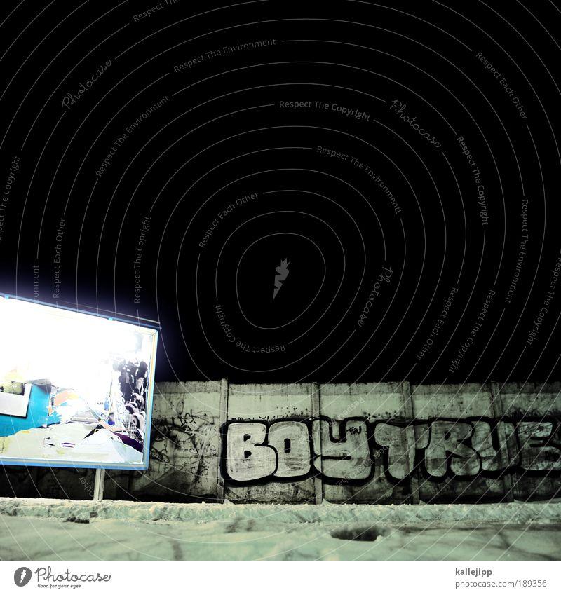 smalltown boy Stadt schwarz Schnee Berlin Wand Mauer Graffiti Nacht Schilder & Markierungen Lifestyle Schriftzeichen Werbung Menschenleer Handel Neonlicht
