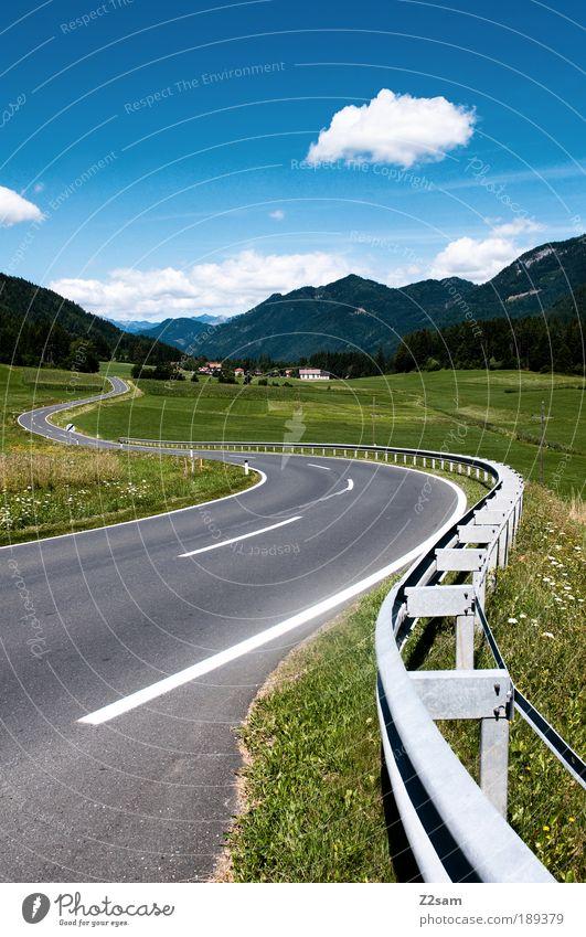 highway to kaiserschmarrn Natur Himmel grün blau Sommer Ferien & Urlaub & Reisen Verkehr Straße Stil Gras Berge u. Gebirge Landschaft Tiefenschärfe Umwelt Beton ästhetisch
