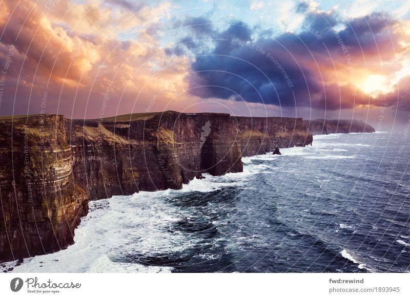 Cliffs of Moher Ferien & Urlaub & Reisen Ausflug Abenteuer Ferne Freiheit Sightseeing Meer Wellen Natur Landschaft Wolken Horizont Sonnenaufgang Sonnenuntergang