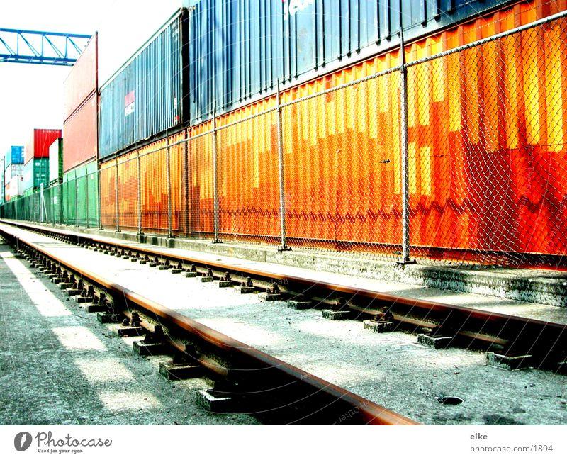 containerstraße Güterverkehr & Logistik Gleise Zaun Schifffahrt Container