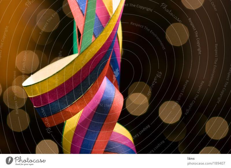 prickelnd Freude Feste & Feiern Party Stimmung Fröhlichkeit Dekoration & Verzierung Streifen Lebensfreude Silvester u. Neujahr Karneval festlich heiter Girlande Luftschlangen mehrfarbig