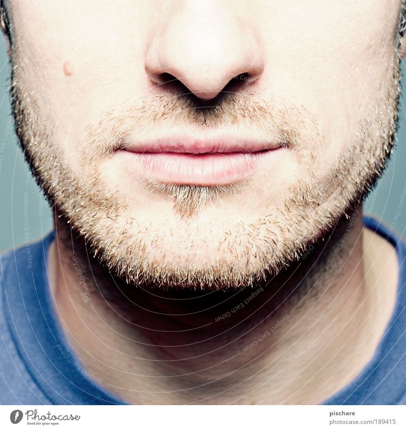 unrasiert Haut Gesicht maskulin Mann Erwachsene Nase Mund Bart 18-30 Jahre Jugendliche blond Dreitagebart Freundlichkeit rebellisch retro stachelig Leben