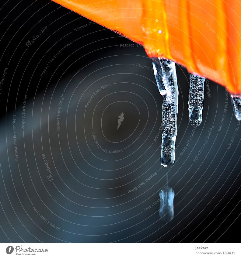....melting away.... Natur blau Winter Umwelt Denken Stimmung Metall Eis Coolness Frost Tropfen Umweltschutz