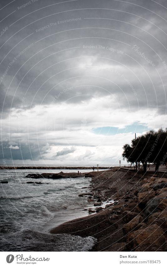 Die dunkle Seite der Macht Umwelt Wolken Gewitterwolken Sommer Klima Schönes Wetter schlechtes Wetter Unwetter Wind Sturm Wellen Küste Strand Meer Mittelmeer