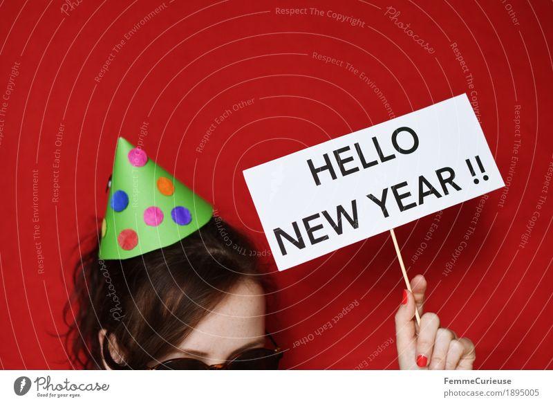 Happy new year! :-) Mensch rot Freude feminin Feste & Feiern Schriftzeichen Schilder & Markierungen Papier Silvester u. Neujahr Hut Sonnenbrille gebastelt