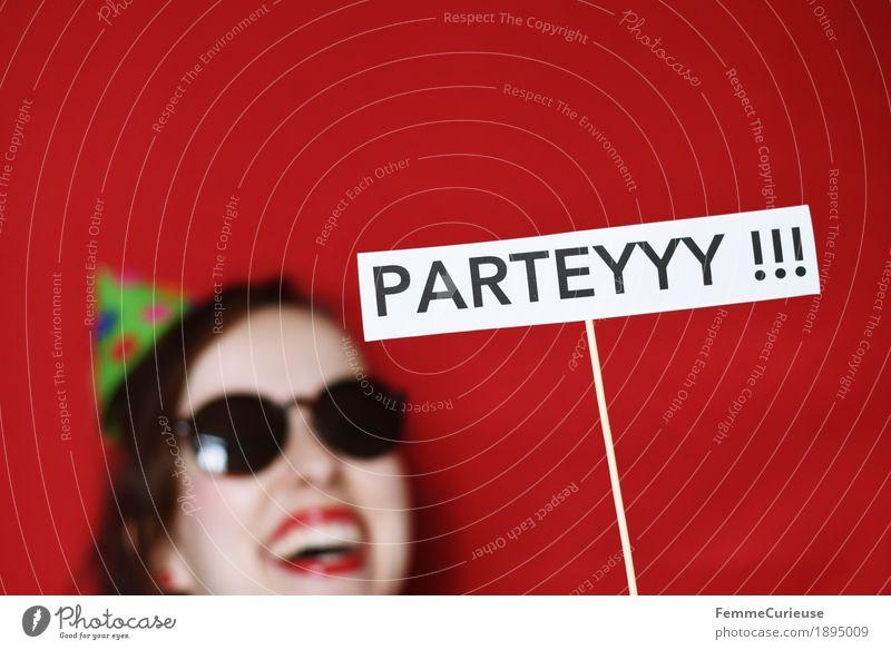 Parteyyy !!! Mensch Freude feminin Party Schriftzeichen Schilder & Markierungen Silvester u. Neujahr Hut Partygast Partystimmung