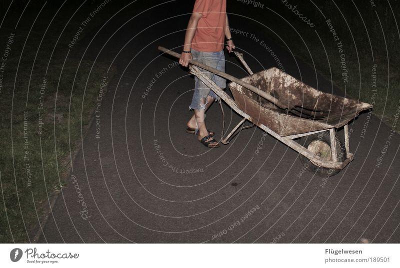 Nachtspaziergang Straße Bewegung Garten Arbeit & Erwerbstätigkeit Kraft Wohnung Freizeit & Hobby Erfolg Lifestyle Macht Häusliches Leben T-Shirt Rasen einfach