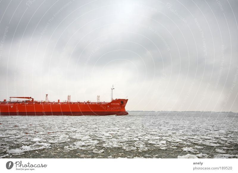 Eisbrecher Himmel Wasser rot Meer Wolken Winter Einsamkeit kalt Schnee Landschaft grau Bewegung Wasserfahrzeug Eis Horizont Frost