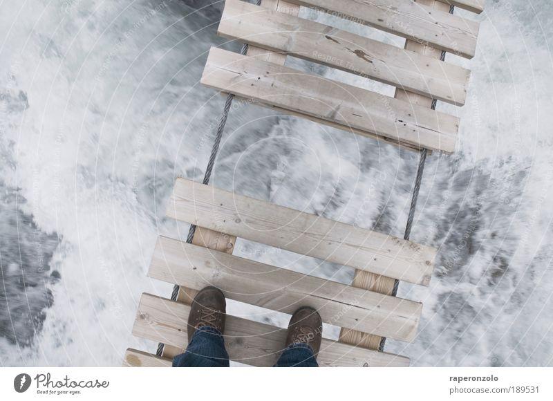 Lückenbrücke Wasser Ferien & Urlaub & Reisen Holz Angst wandern Brücke gefährlich Sicherheit Fluss festhalten Vertrauen Natur Verbindung Loch Partnerschaft Holzbrett