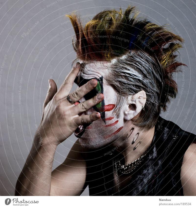 TotalFreakOut Mensch Mann Jugendliche Hand Erwachsene Farbstoff außergewöhnlich Junger Mann maskulin verrückt Kosmetik Porträt Karneval gruselig skurril Beruf