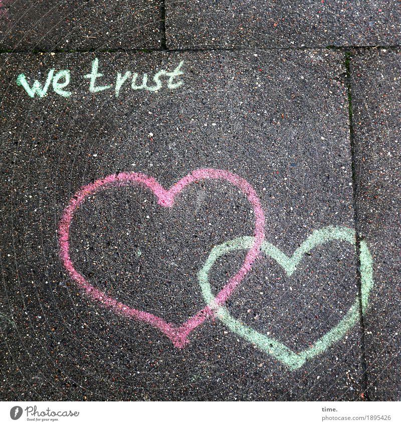 Lebenselixir | Vertrauen Wege & Pfade Bürgersteig Betonplatte Farbe Stein Zeichen Schriftzeichen Graffiti Herz ästhetisch Glück Wärme Gefühle Lebensfreude