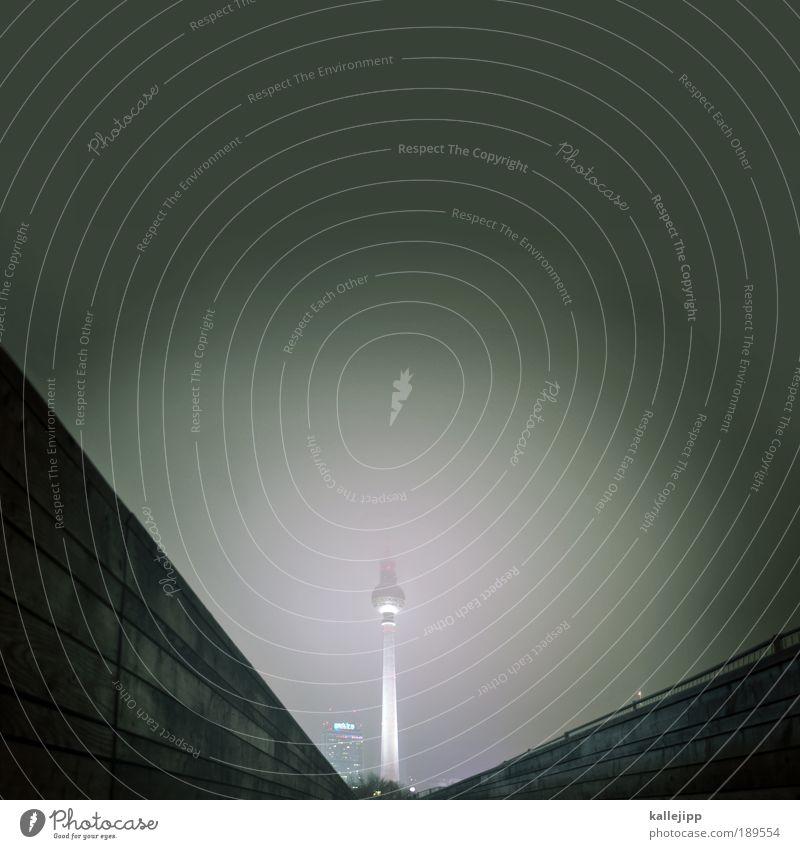 scheinriese Stadt Wolken Ferne Berlin grau dreckig Nebel Tourismus Aussicht Fernsehen Telekommunikation Medien Natur Nachthimmel Spitze