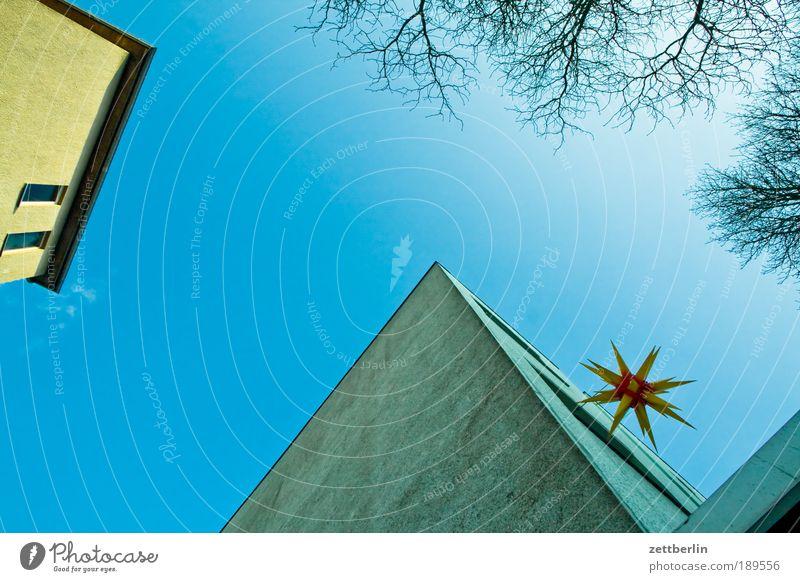 Stern again Himmel Weihnachten & Advent blau Haus Wand Fenster Mauer Lampe Religion & Glaube Beleuchtung Fassade Stern (Symbol) Kirche Schmuck