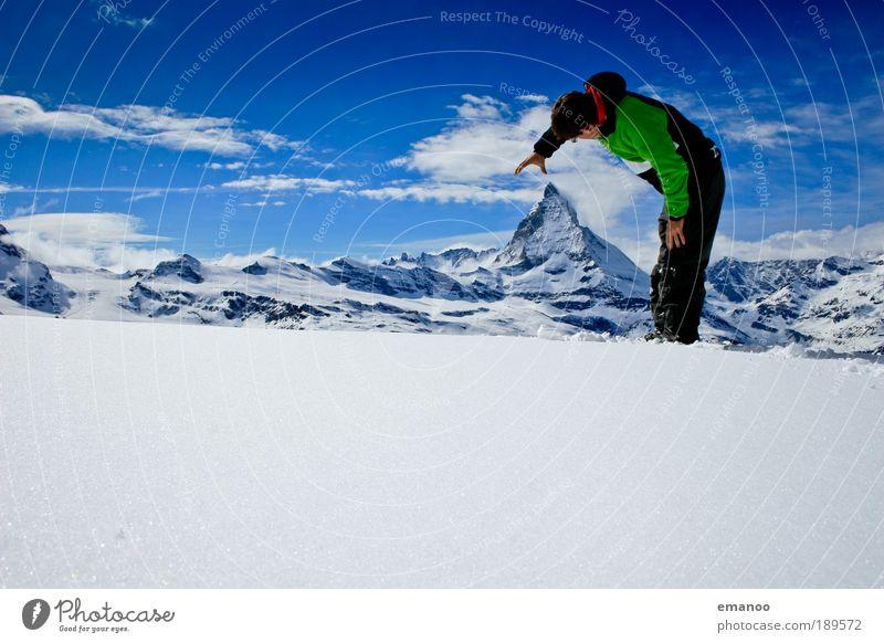 reaching the top Freude Expedition Winter Schnee Winterurlaub Berge u. Gebirge wandern Wintersport maskulin 1 Mensch 18-30 Jahre Jugendliche Erwachsene Umwelt