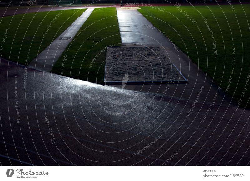 Sandkasten dunkel Leben Sport Spielen Bewegung Freizeit & Hobby elegant Erfolg Sportveranstaltung Sportler Ausdauer Stadion diszipliniert Verlierer Flutlicht Leichtathletik
