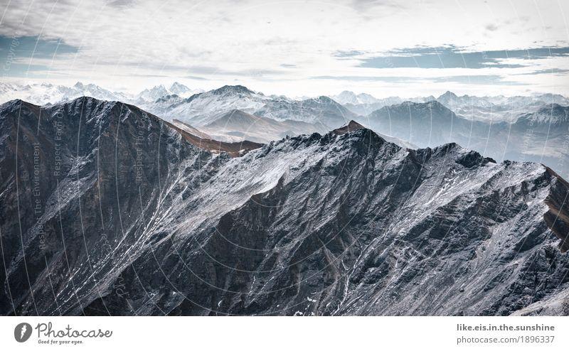 Über den Dingen stehen... Ausflug Abenteuer Ferne Freiheit Schnee Berge u. Gebirge Umwelt Natur Landschaft Urelemente Wolken Horizont Herbst Klima Wetter Eis