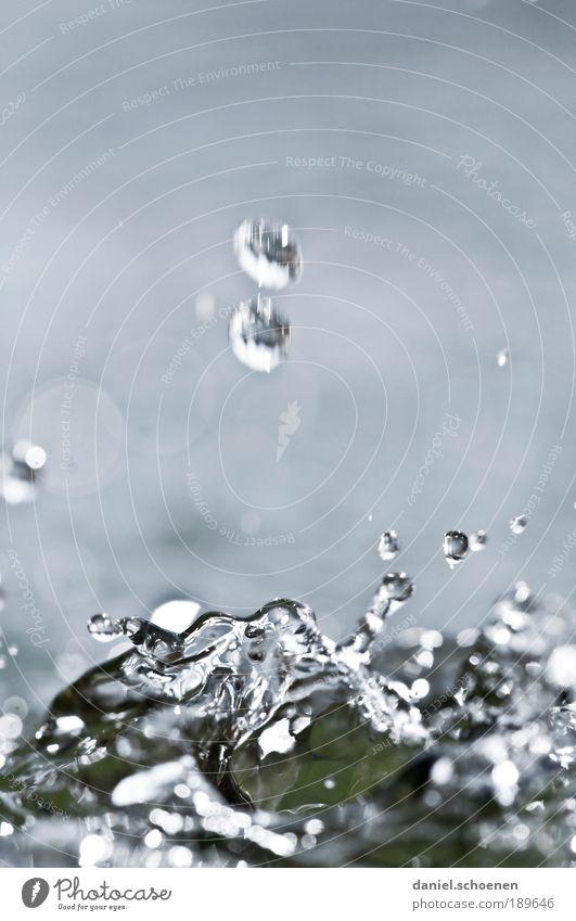 Wasser 1 blau Bewegung Wassertropfen Sauberkeit Brunnen Flüssigkeit Urelemente bizarr Bach Farbe