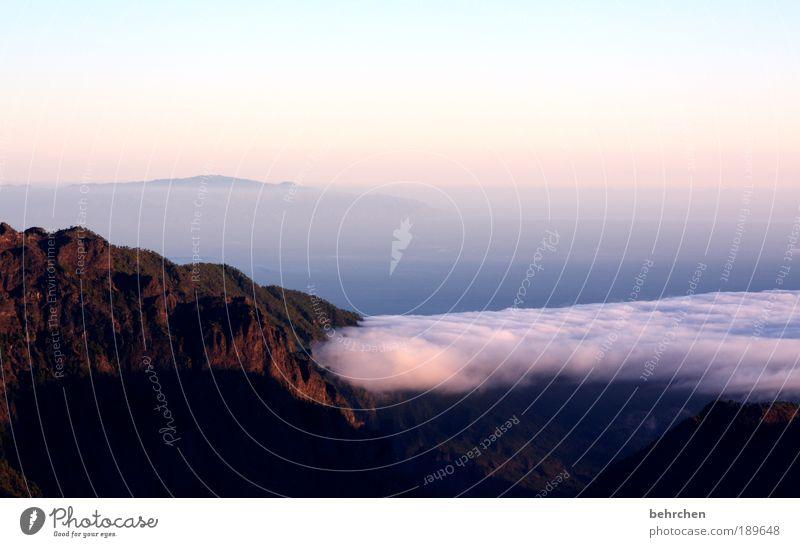 wolke knutscht berg Himmel Natur Ferien & Urlaub & Reisen Meer Landschaft Wolken Ferne Berge u. Gebirge Umwelt Freiheit Zufriedenheit Tourismus Kraft Insel