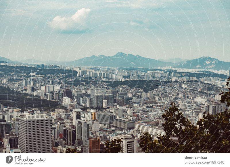 Seoul 2016 Korea Süd Korea Asien Stadt Hauptstadt Stadtzentrum Skyline bevölkert überbevölkert Haus Einfamilienhaus Traumhaus Hochhaus Bankgebäude