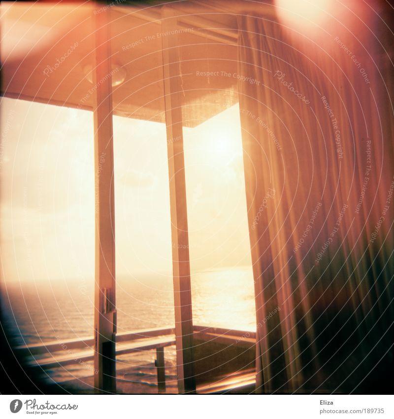 Sommerwind und Meeresrauschen Ferien & Urlaub & Reisen Ferne Freiheit hell Fenster Balkon Aussicht Fernweh Vignettierung Vorhang Leichtigkeit Gedeckte Farben