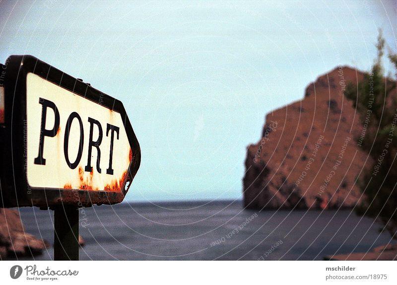 Wegweiser zum Hafen von Sa Calobra Natur Strand Einsamkeit Europa Mallorca
