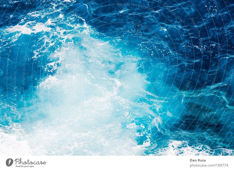Waterworld Wasser Meer blau Sommer Leben Gefühle Bewegung Stimmung Kraft Wind Umwelt Wassertropfen Klima Wellen Lebensfreude Leidenschaft