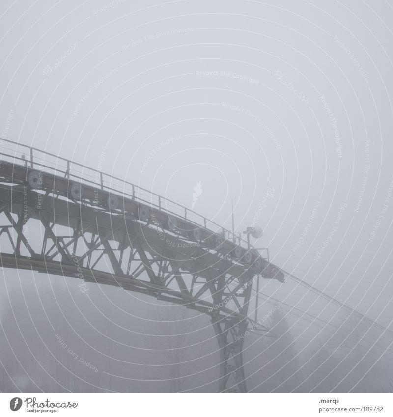 Am Abgrund Ferne Gefühle grau Traurigkeit Angst Nebel Ausflug trist bedrohlich Klettern Bauwerk gruselig Schmerz Verzweiflung Bergsteigen Rettung