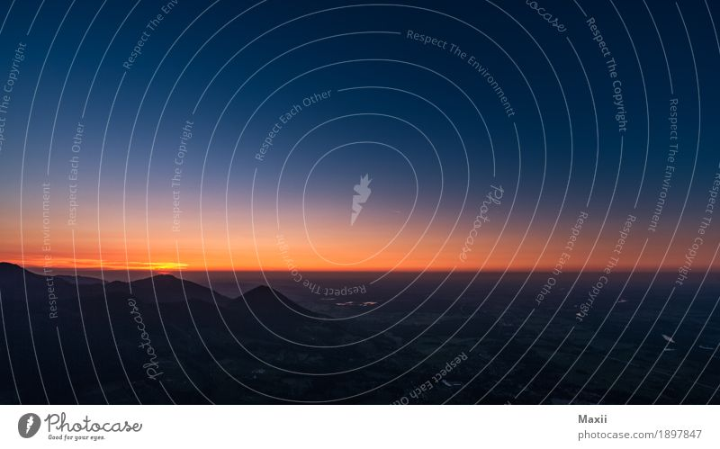 Nachthimmel am Alpenrand (Großer Riesenberg) Umwelt Natur Landschaft Himmel Wolkenloser Himmel Horizont Sonne Sonnenaufgang Sonnenuntergang Sommer