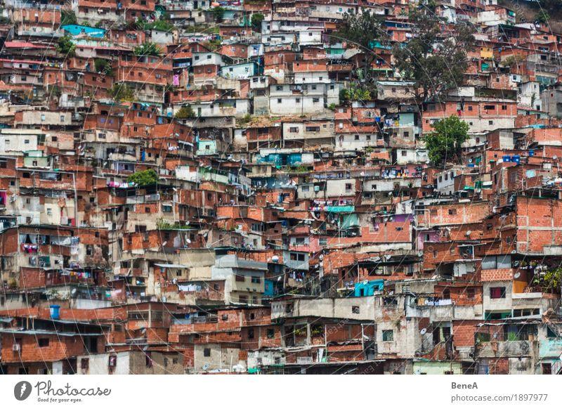 Barrio / Favela / Slum in Caracas, Venezuela Stadt Haus Berge u. Gebirge Architektur Leben Häusliches Leben Armut geschlossen Hügel Dach Skyline Hauptstadt