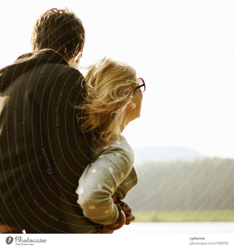 Zusammen Frei Lifestyle Freude Glück schön Leben Freizeit & Hobby Ferne Freiheit Mensch Frau Erwachsene Mann Freundschaft Paar Partner Jugendliche 2 18-30 Jahre